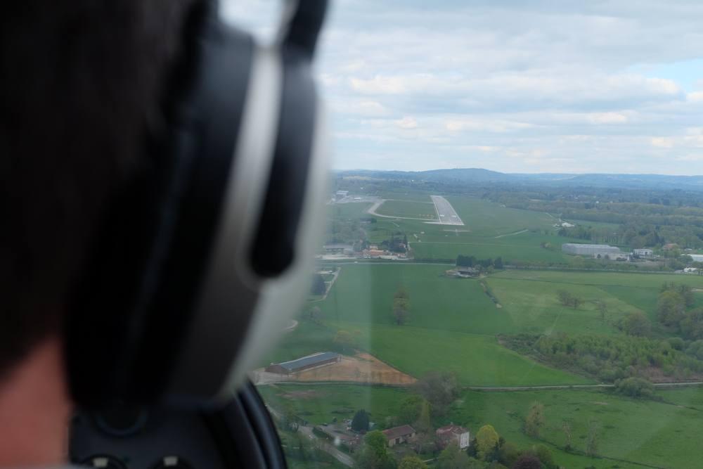 en vol aligné sur la piste de Limoges